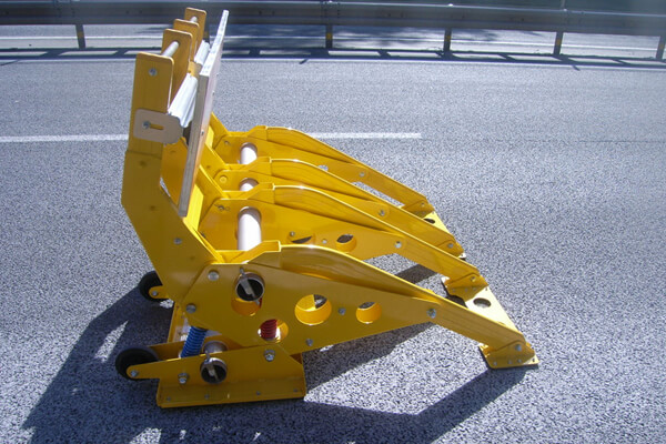 進入車両停止装置 とまるぞーⅡ(大型車両用)